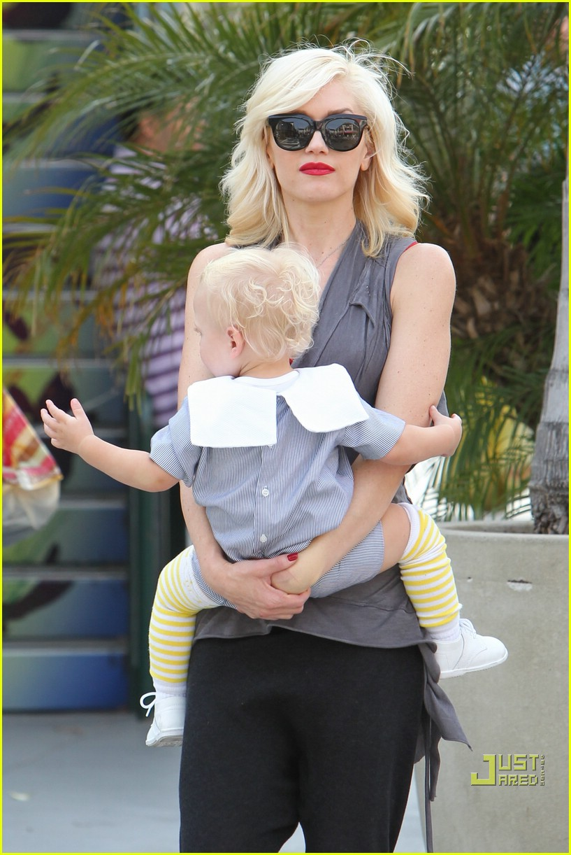 gwen stefani bonding boys 10