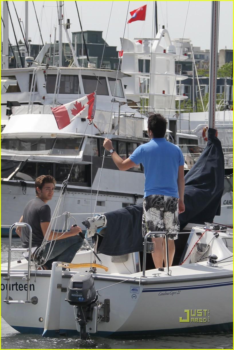 zac efron sailing vancouver 182451864