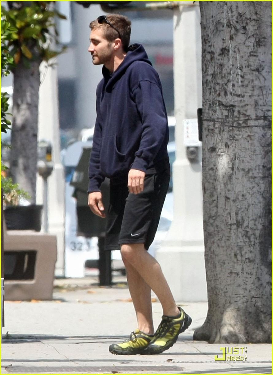 jake gyllenhaal a true gentleman 01