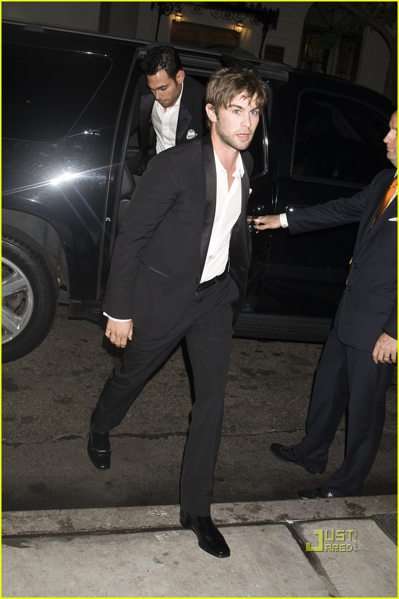 penn badgley met ball 2010 10