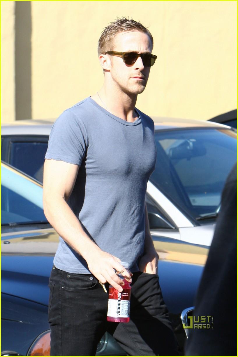 Ryan Gosling: Home Depot Dude Ryan Gosling