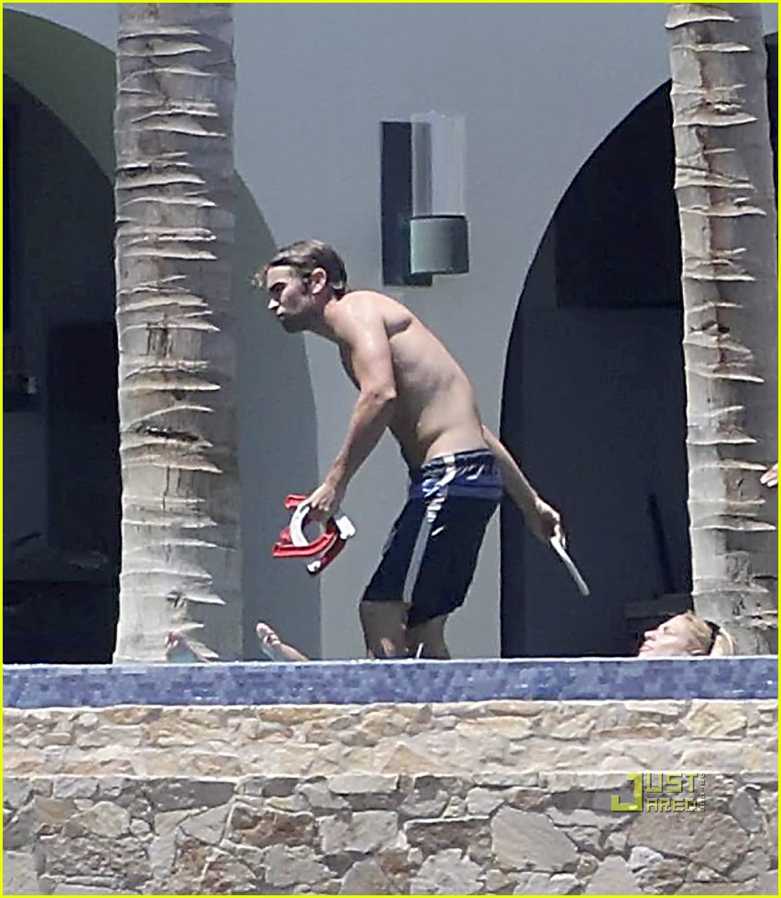 shirtless chace crawford 02