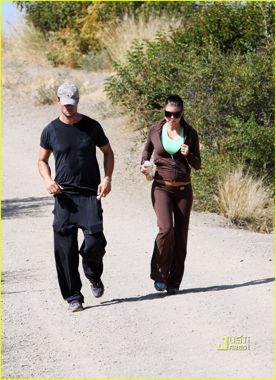 fergie josh duhamel jogging brentwood 15