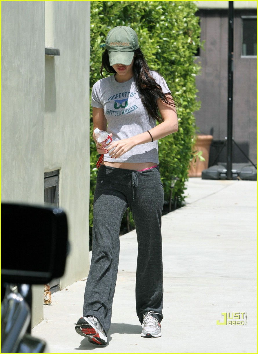 megan fox covers up 04