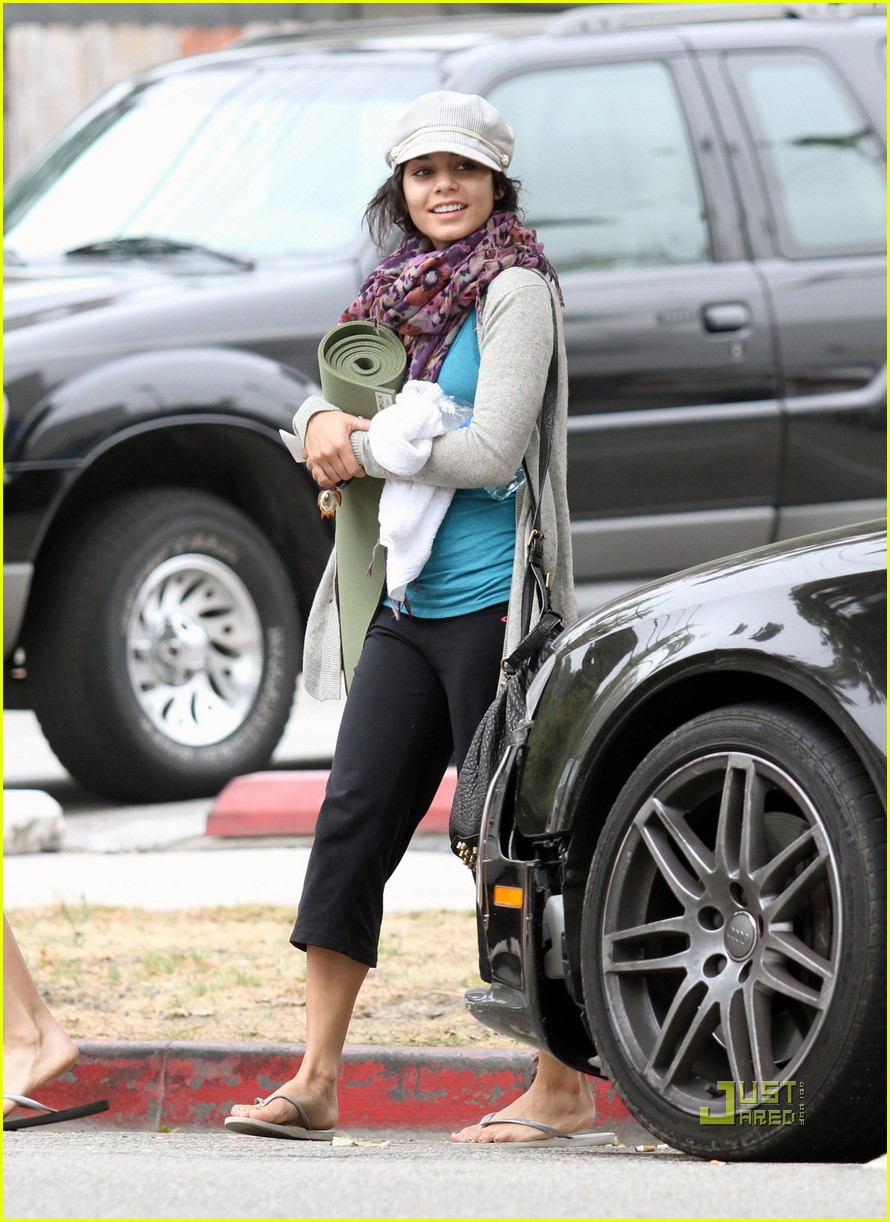 vanessa hudgens yoga ticket 02