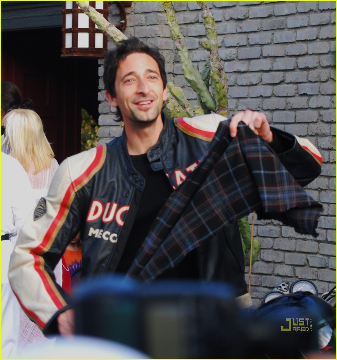 january jones adrien brody 15