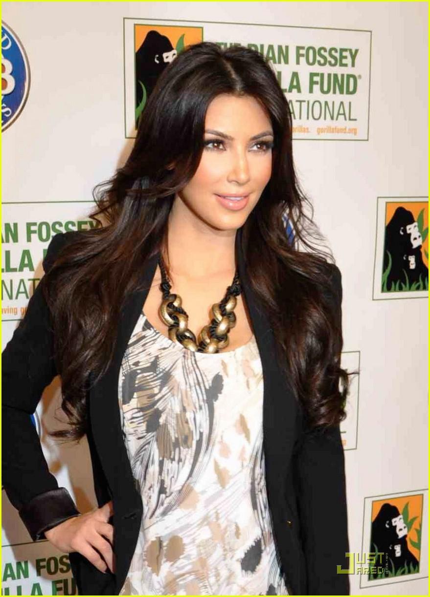 kim kardashian goes ape 052478478
