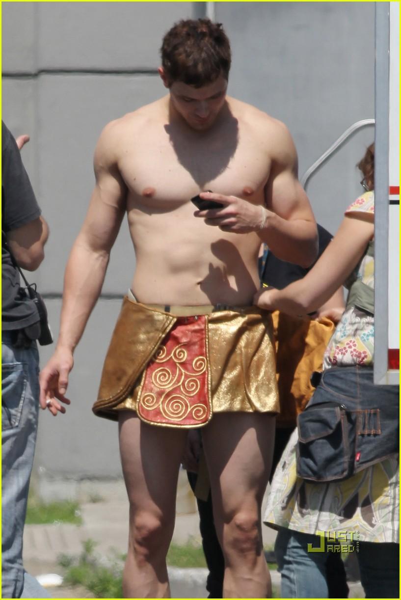 kellan lutz loincloth shirtless 09