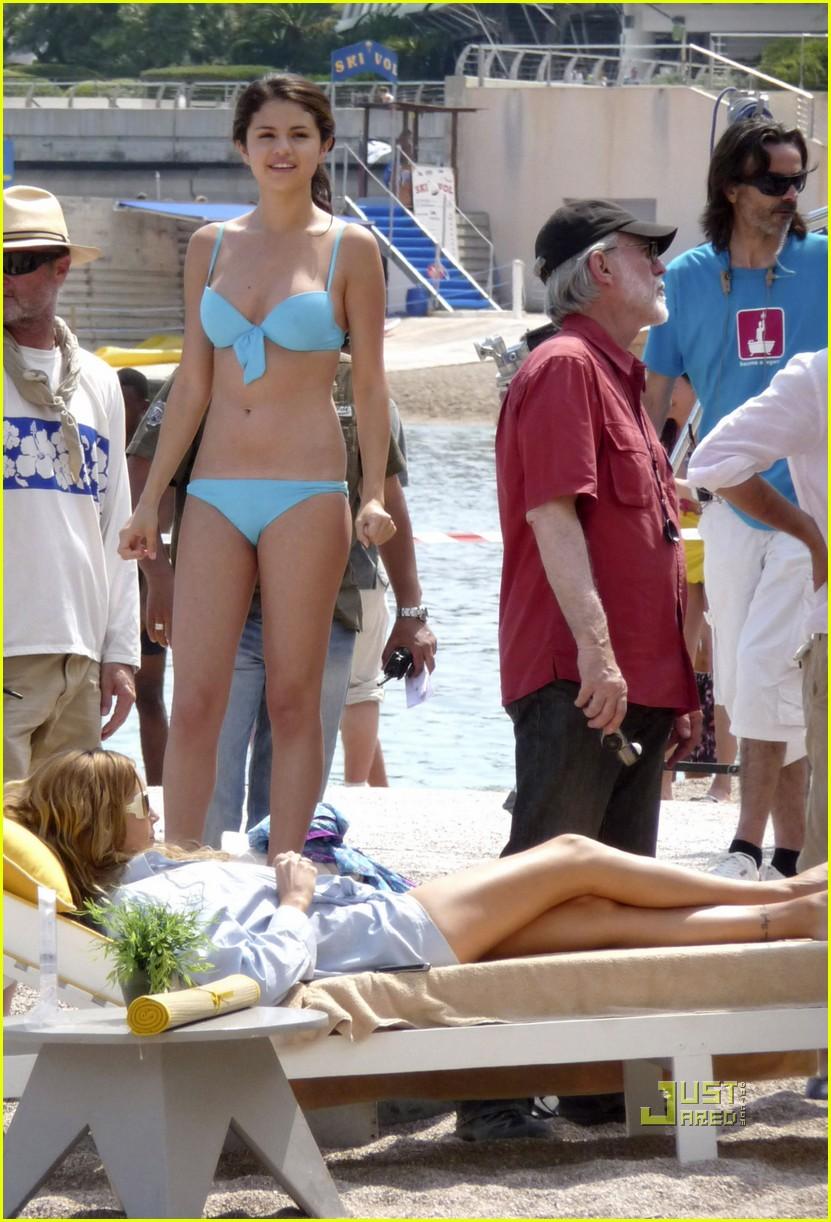 leighton meester bikini selena gomez 092461673