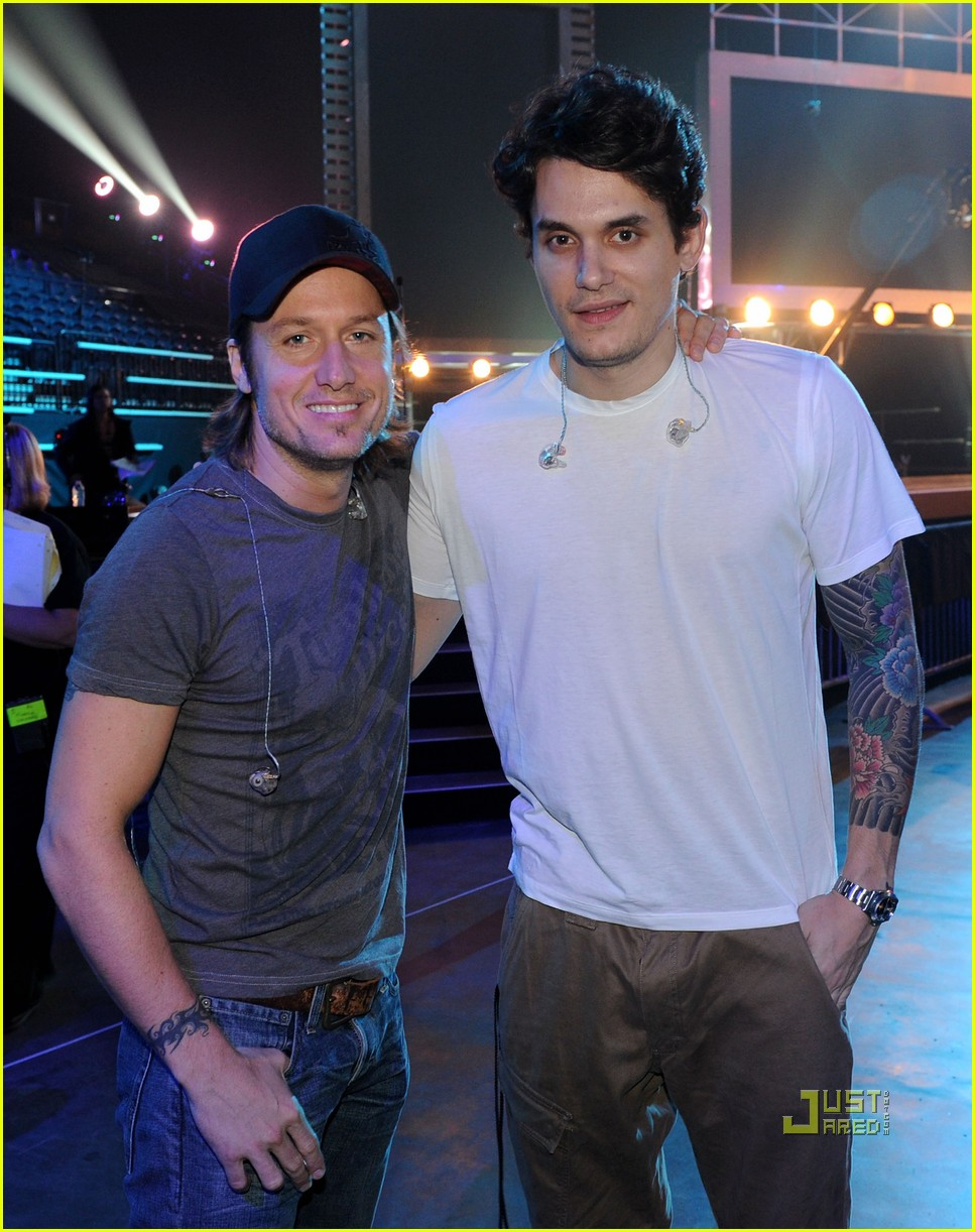 "Photo of John Mayer & his friend musician  Keith Urban - Song ""Don"
