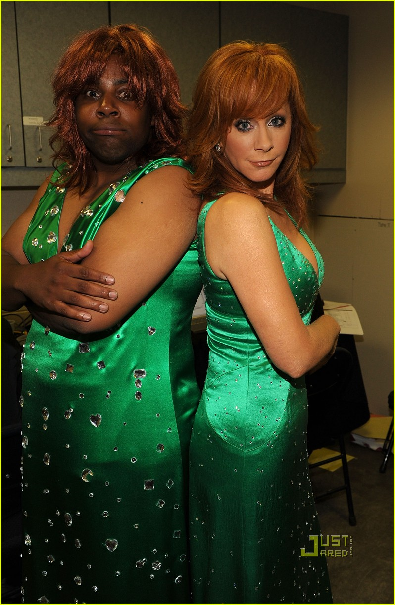 kenan thompson reba mcentire cmt music awards 05
