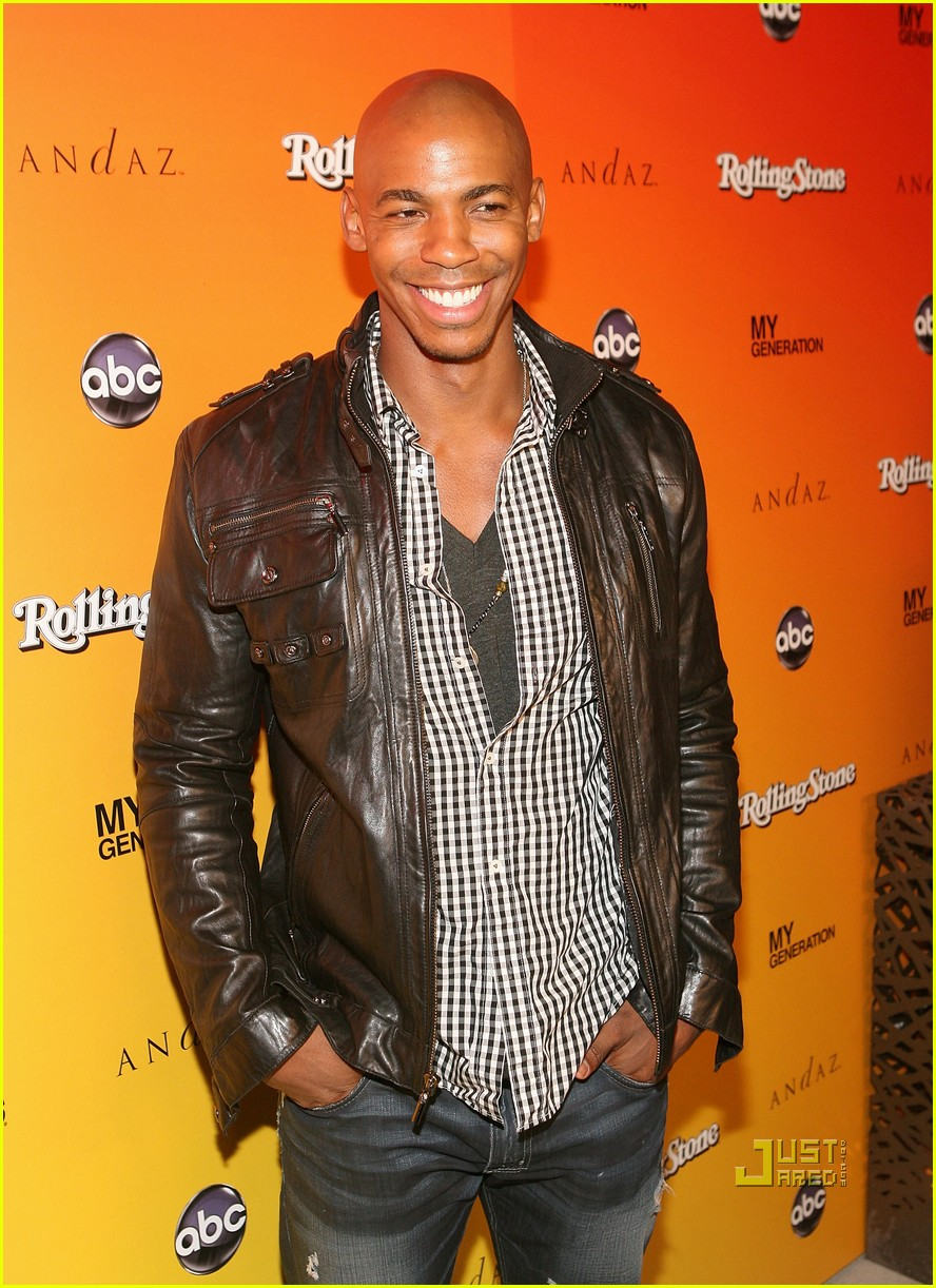mehcad brooks rocks the roof 02