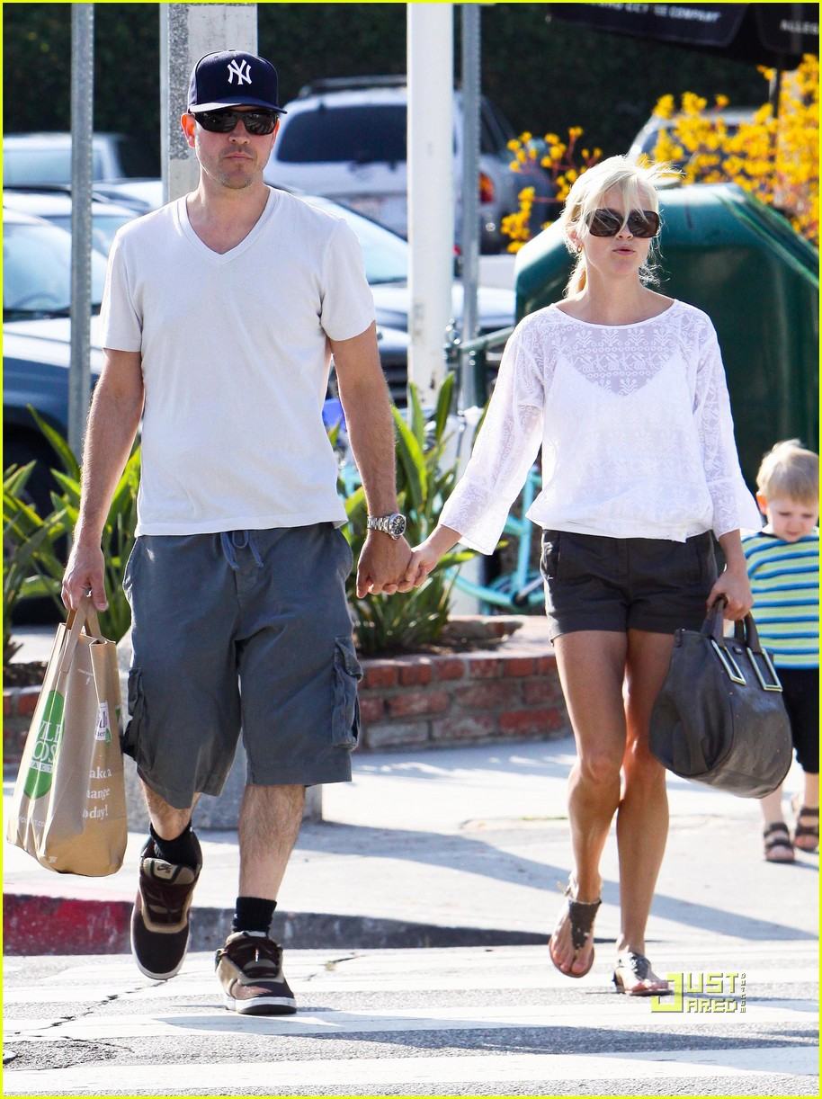 reese witherspoon whole foods 12