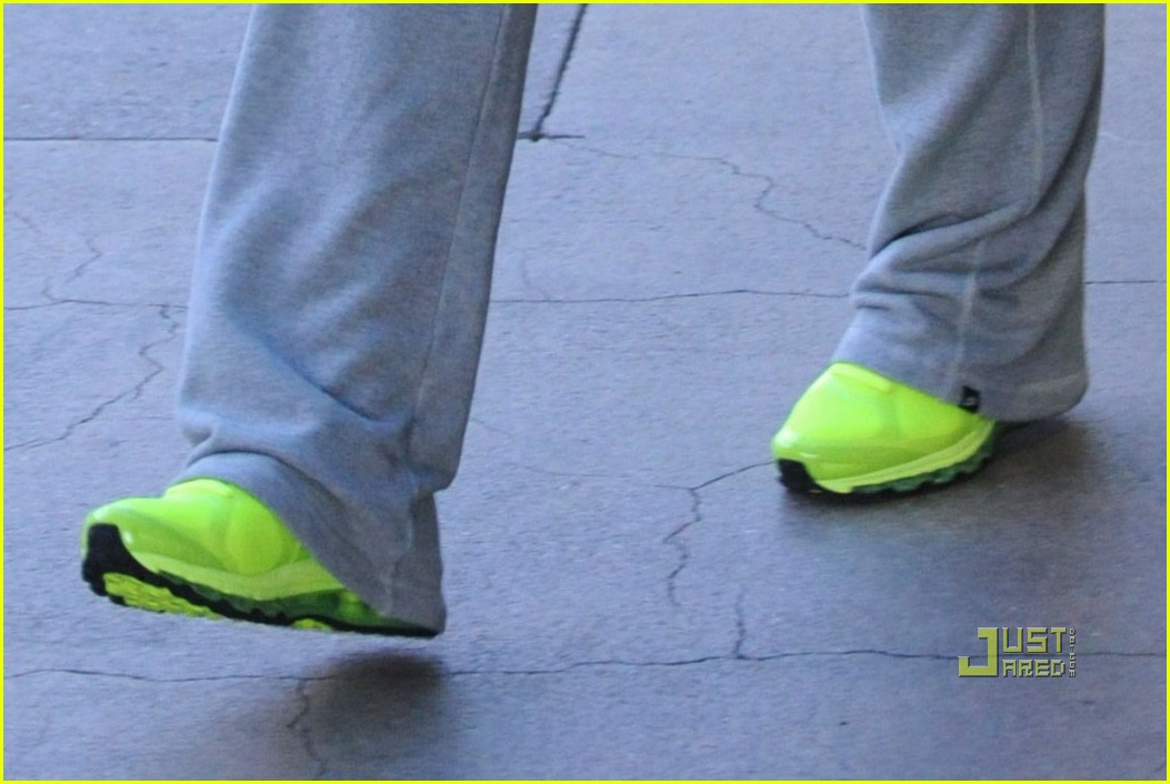 rihanna lax airport chartreuse sneakers 03