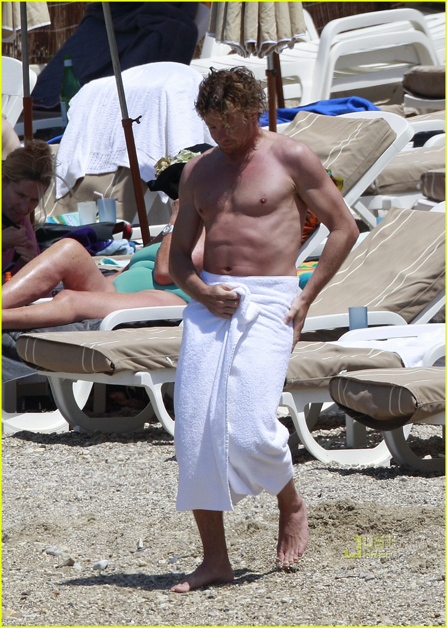 shirtless simon baker 01