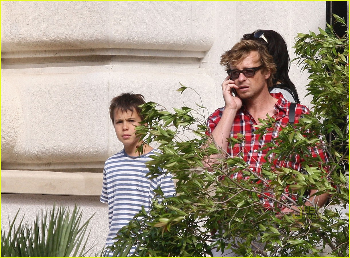 shirtless simon baker 122458024