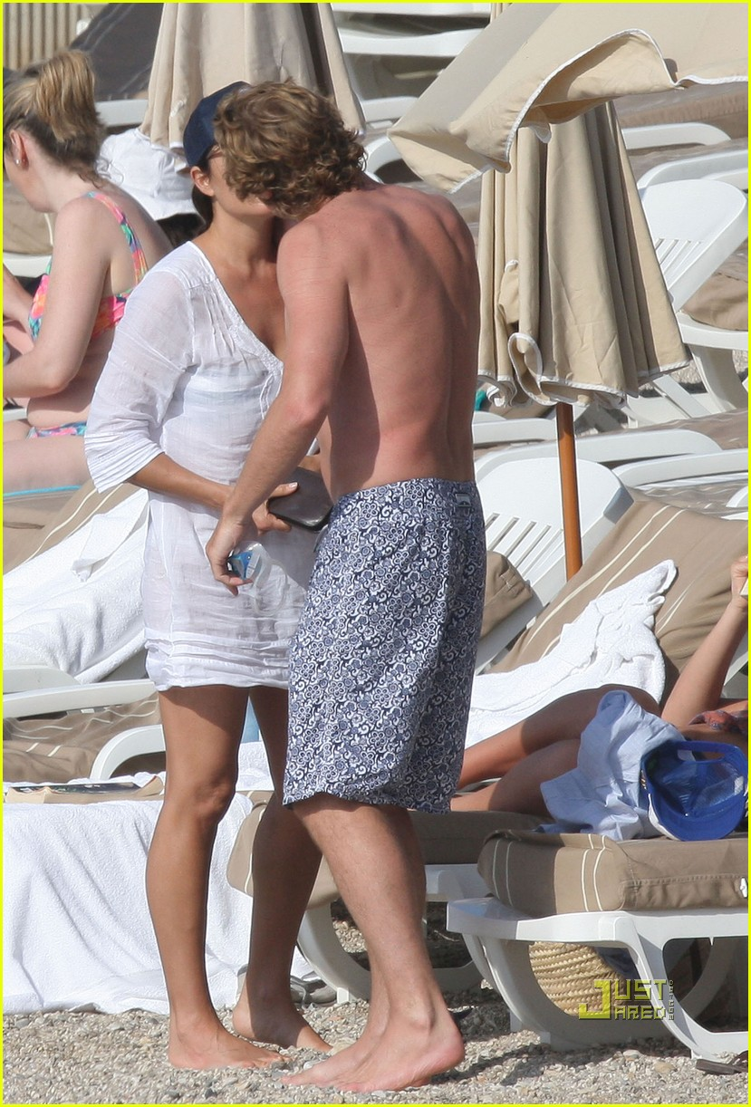 shirtless simon baker 28