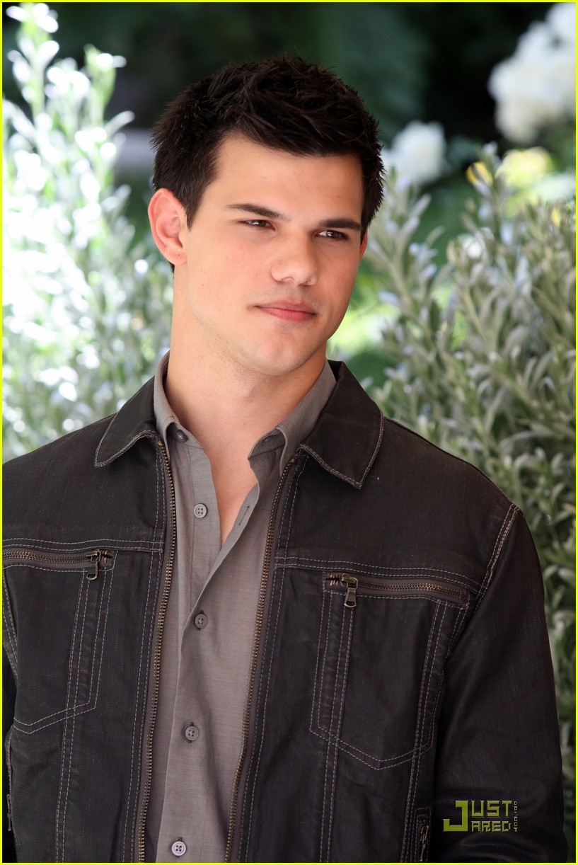 kristen stewart taylor lautner in rome twilight 20