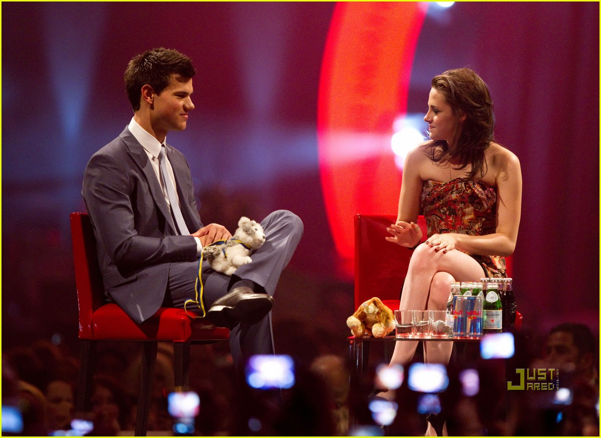 kristen stewart stockholm taylor lautner 17