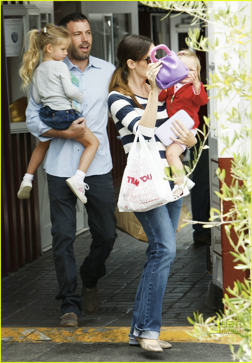 violet seraphina affleck sister time 18
