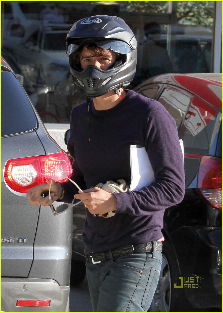 orlando bloom motorcycle in n out 05