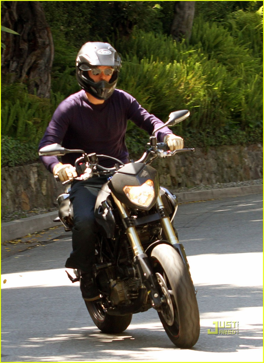 orlando bloom motorcycle in n out 112469960