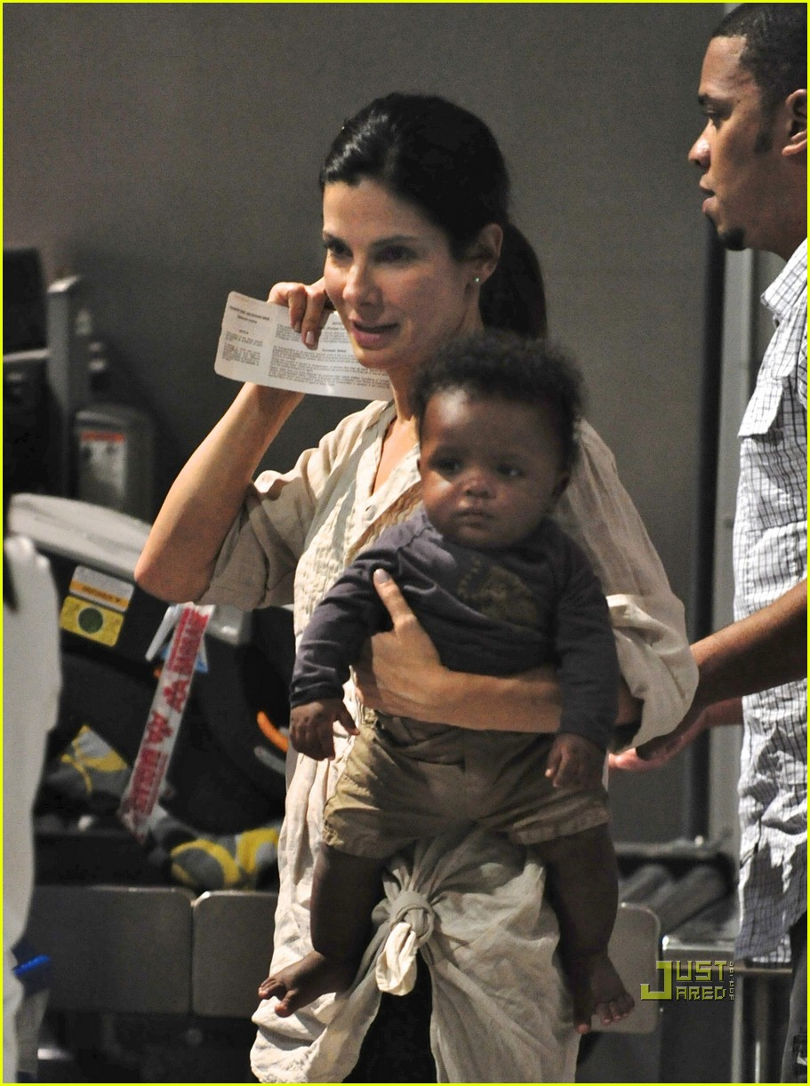 sandra bullock louis austin flight 01