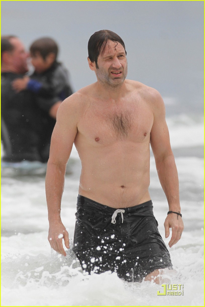 david duchovny shirtless independence 01