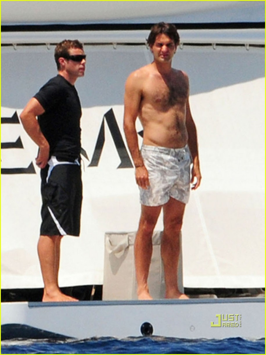 roger federer shirtless mediterranean man photo 2465106 mirka federer roger federer shirtless pictures just jared
