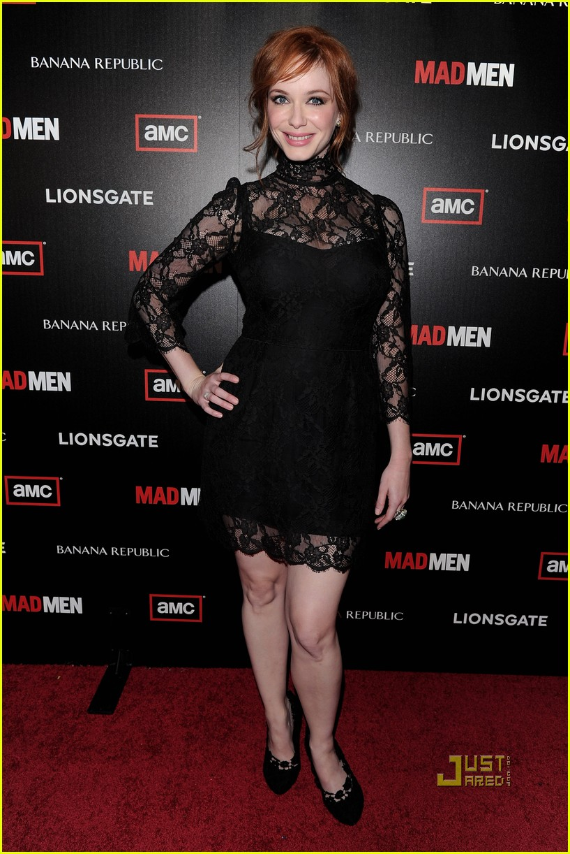 christina hendricks elisabeth moss vincent kartheiser mad men season 4 premiere 03