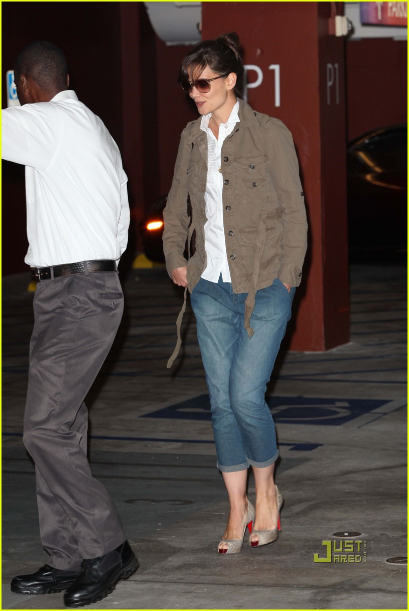 katie holmes meeting louboutin heels 07