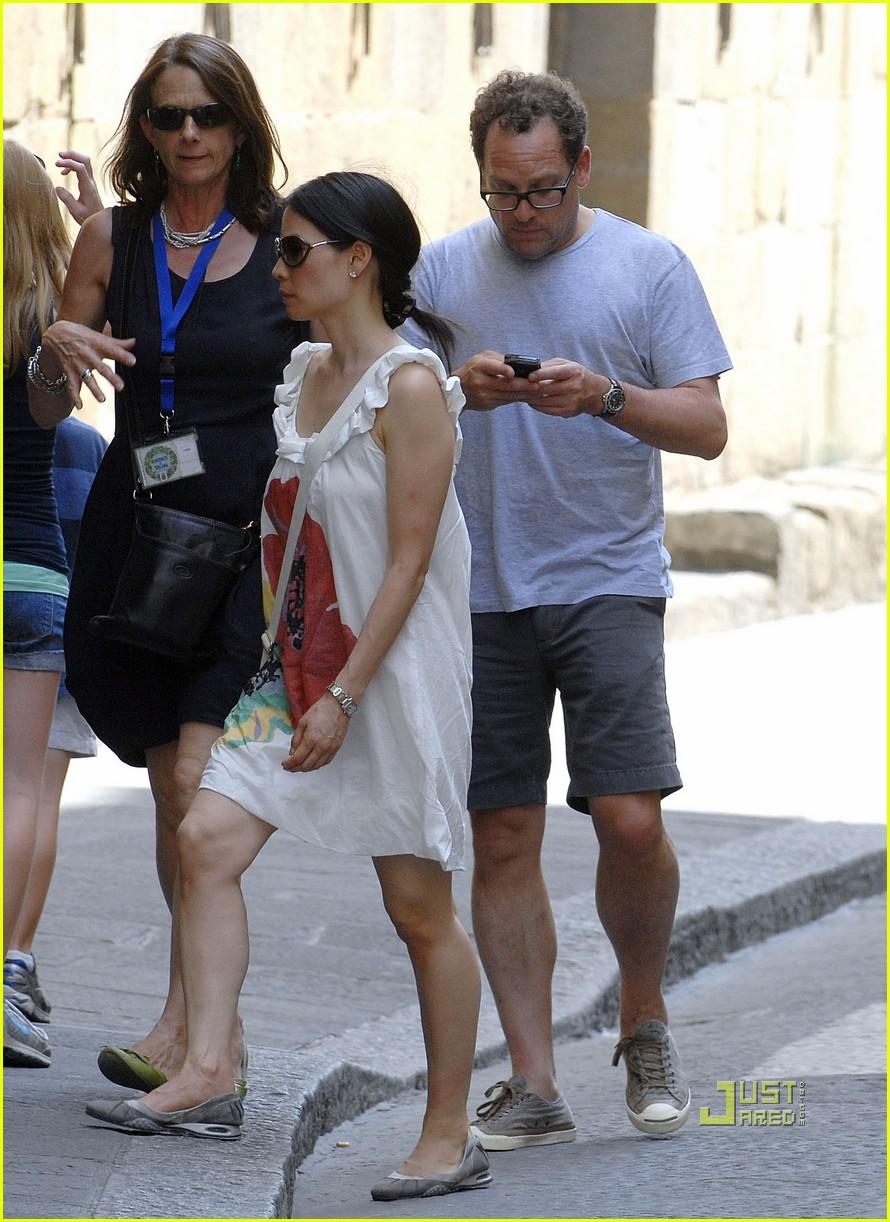 Melissa Schuman Husband >> Noam Gottesman: Lucy Liu's Boyfriend?: Photo 2465293 | Lucy Liu, Noam Gottesman Pictures | Just ...