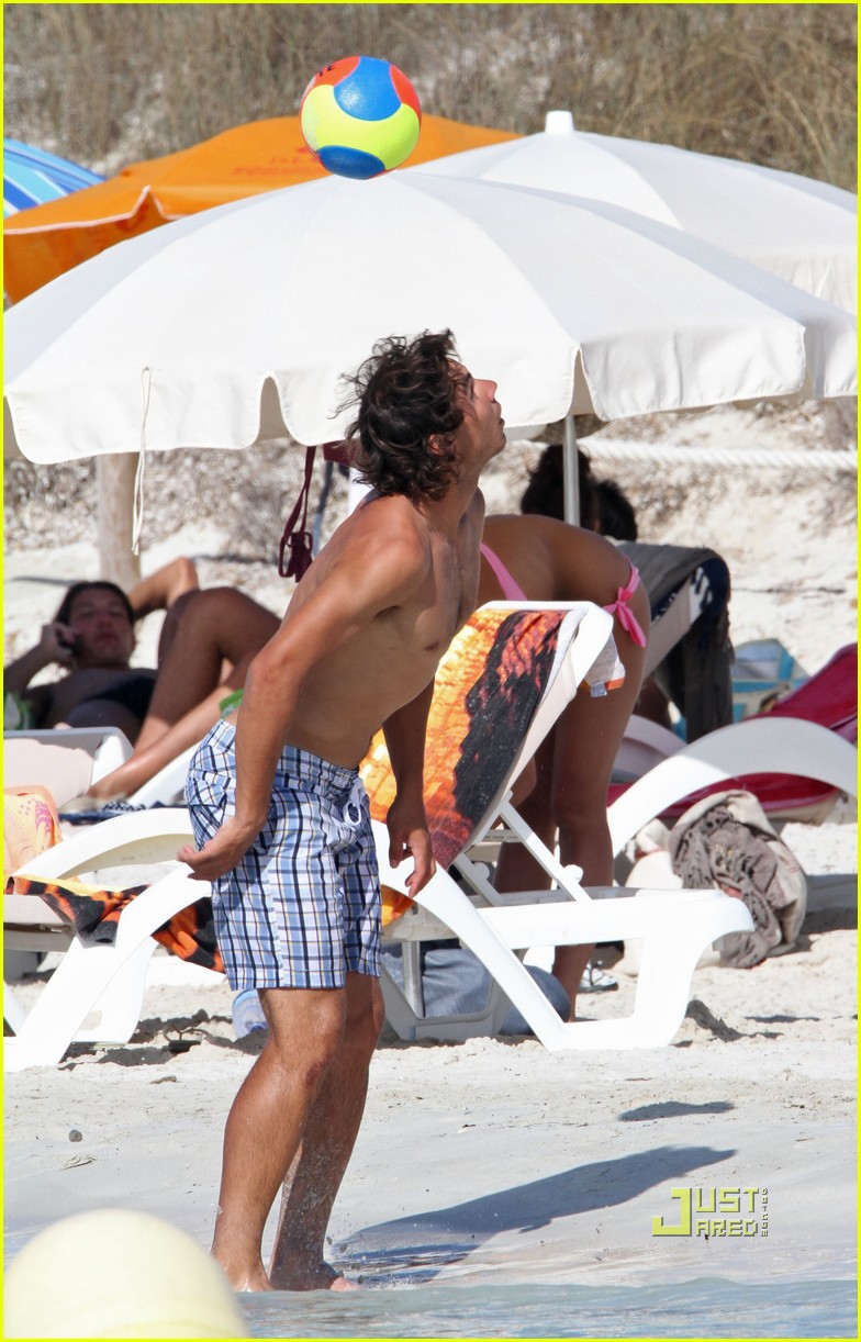 rafael nadal shirtless soccer stud 07