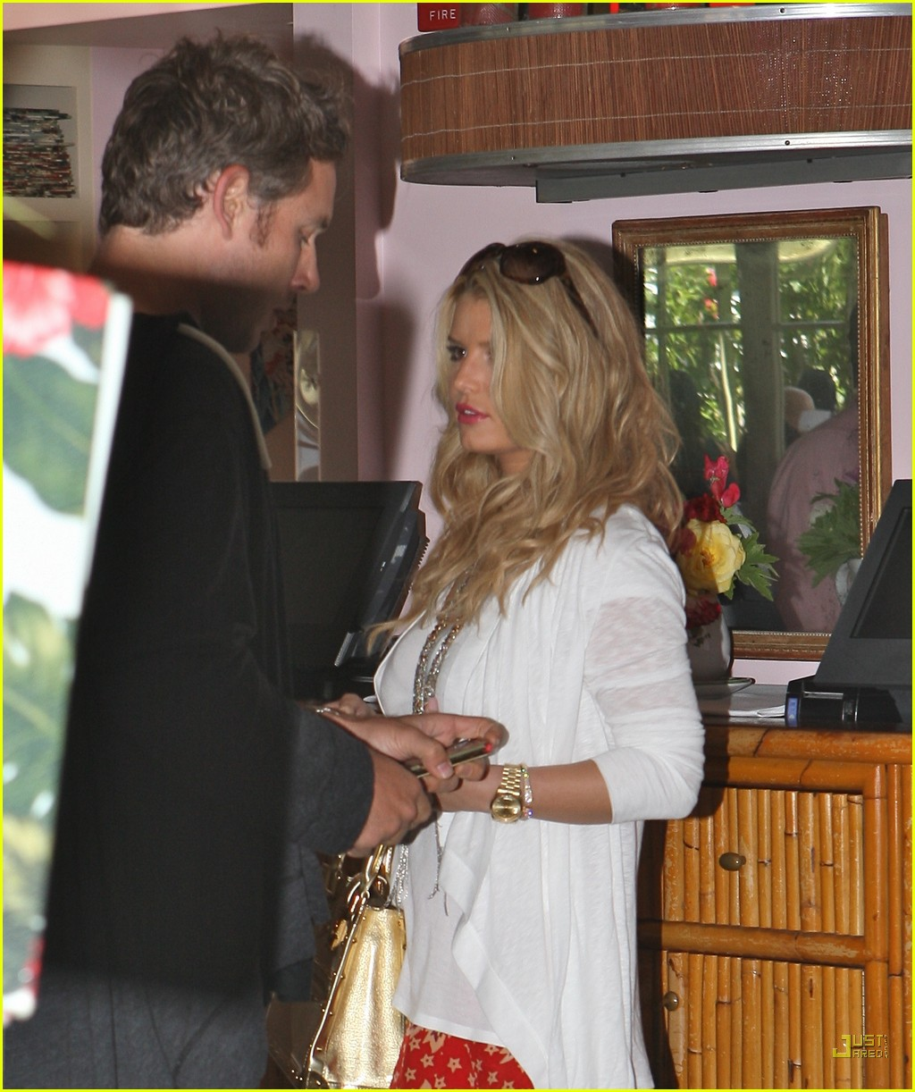 jessica simpson eric johnson the ivy 14