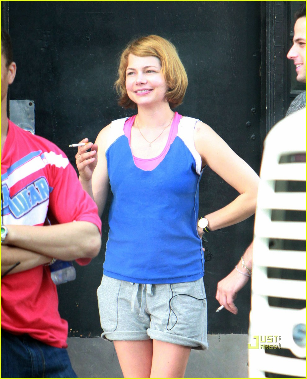 michelle williams auburn hair take this waltz 02
