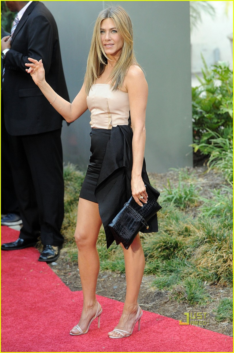 jennifer aniston the switch los angeles premiere 02