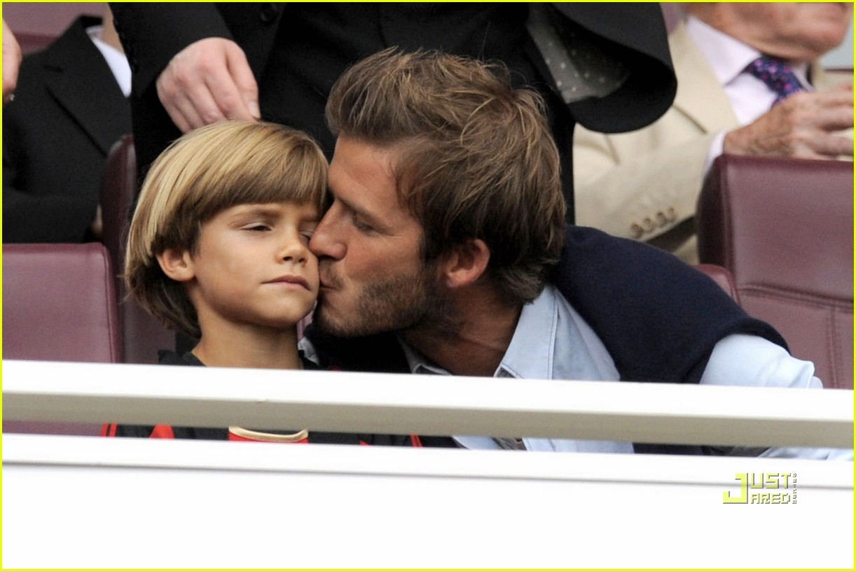 david beckham romeo kiss 08