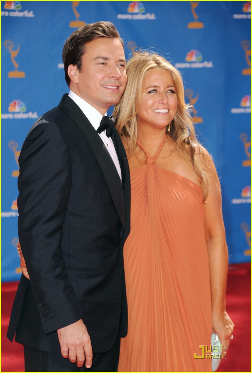 jimmy fallon 2010 emmys red carpet 05