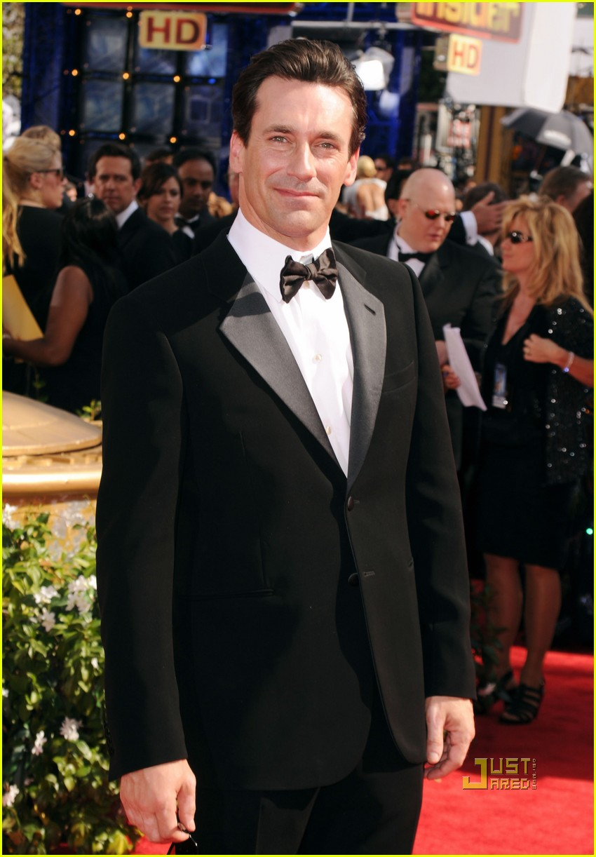 jon hamm jennifer westfeldt emmys 2010 red carpet 02