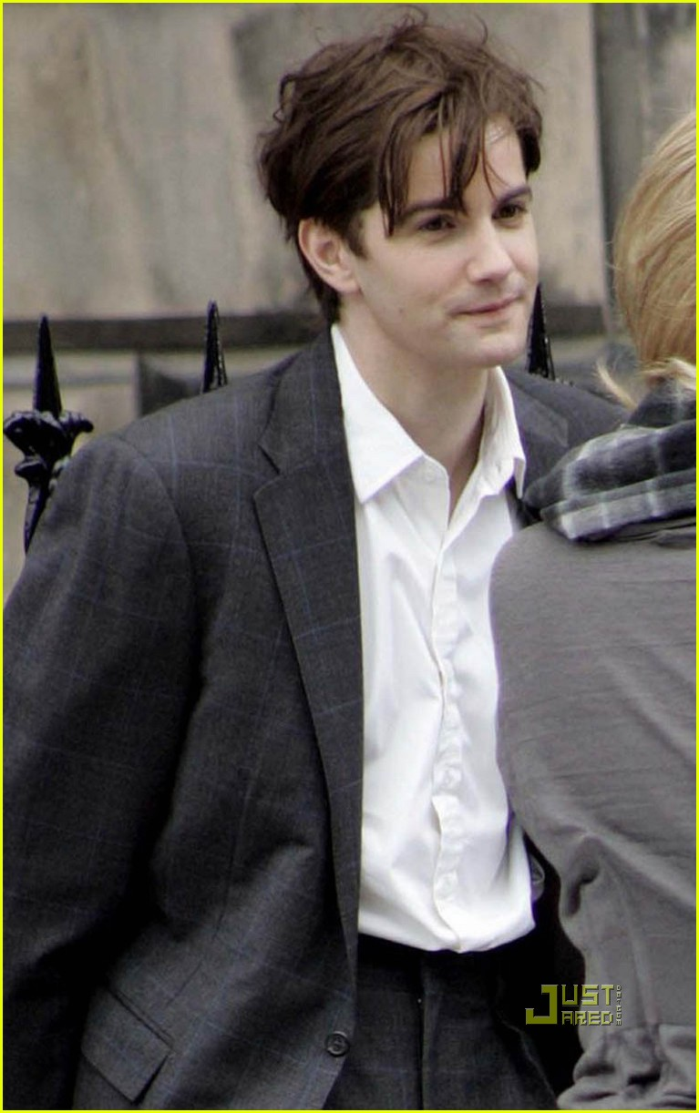 anne hathaway jim sturgess one day 02