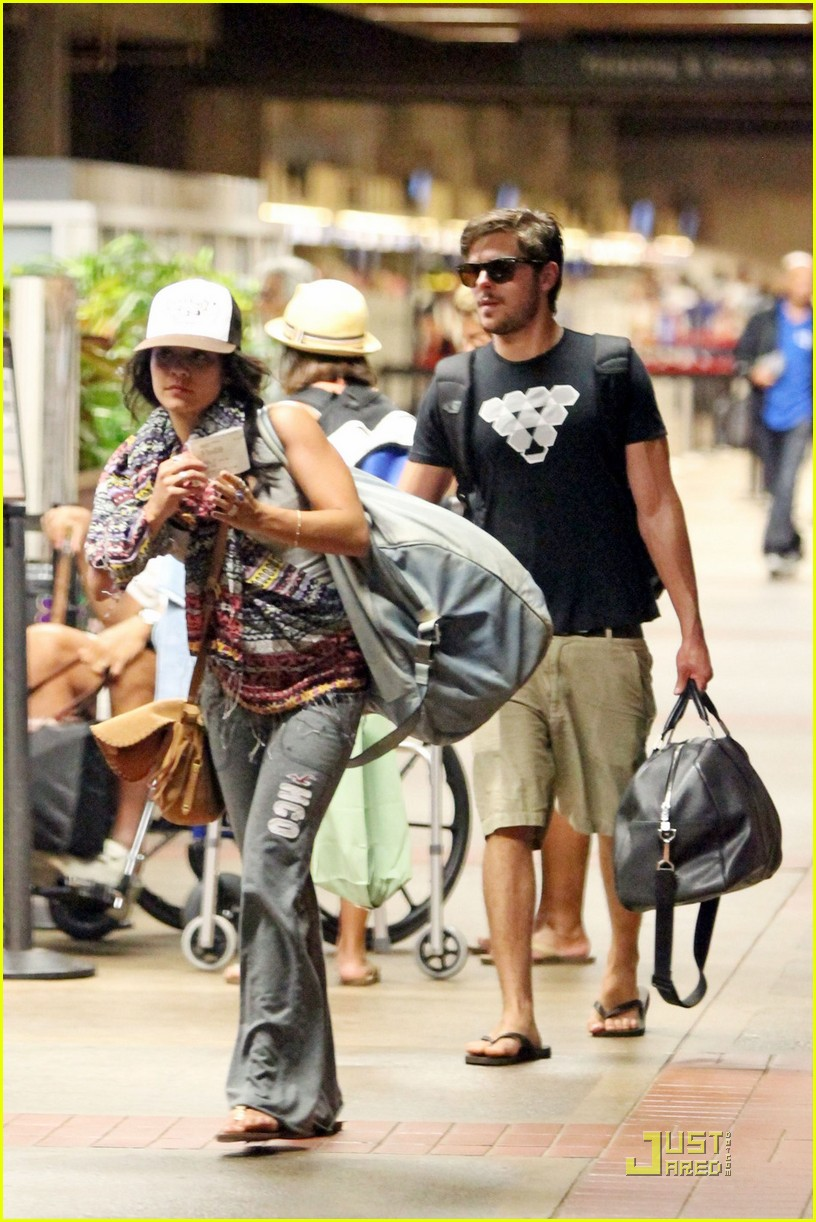 vanessa hudgens zac efron goodbye hawaii 03