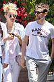 kate hudson matthew bellamy breakfast duo 05
