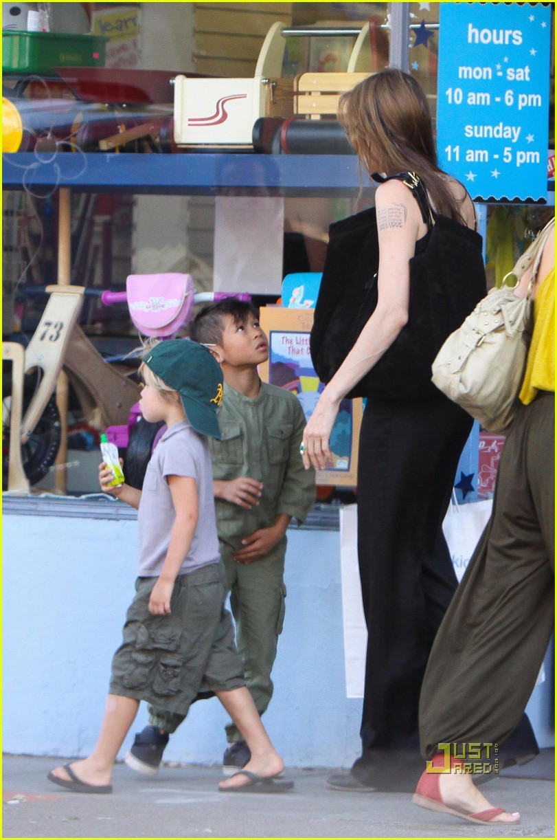 angelina jolie rockridge kids toy store 02