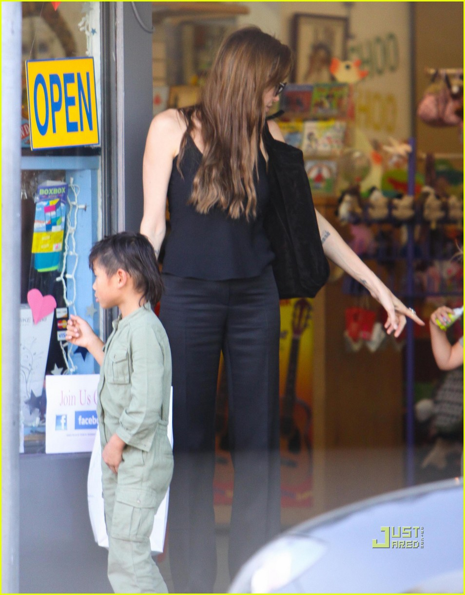 angelina jolie rockridge kids toy store 14