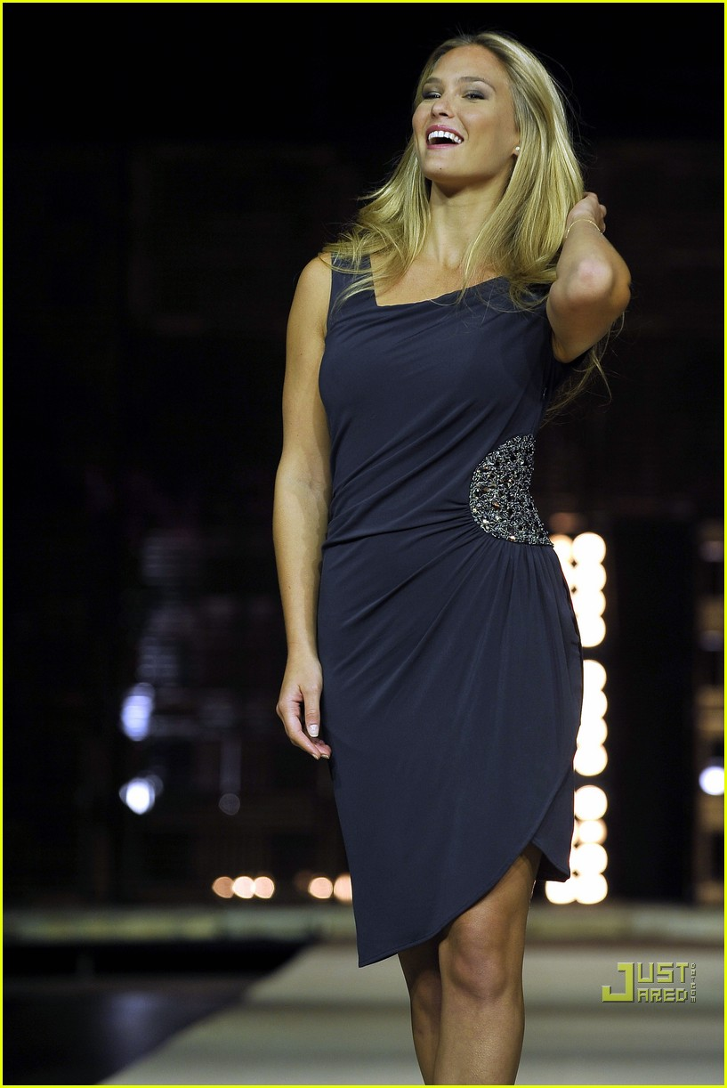 bar refaeli fashion fest phenom 08