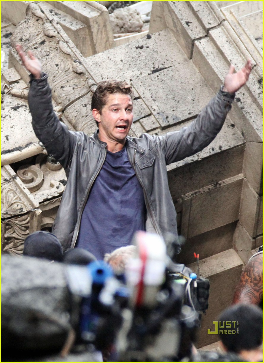 shia labeouf transformers 3 funny face action sequences 062470866