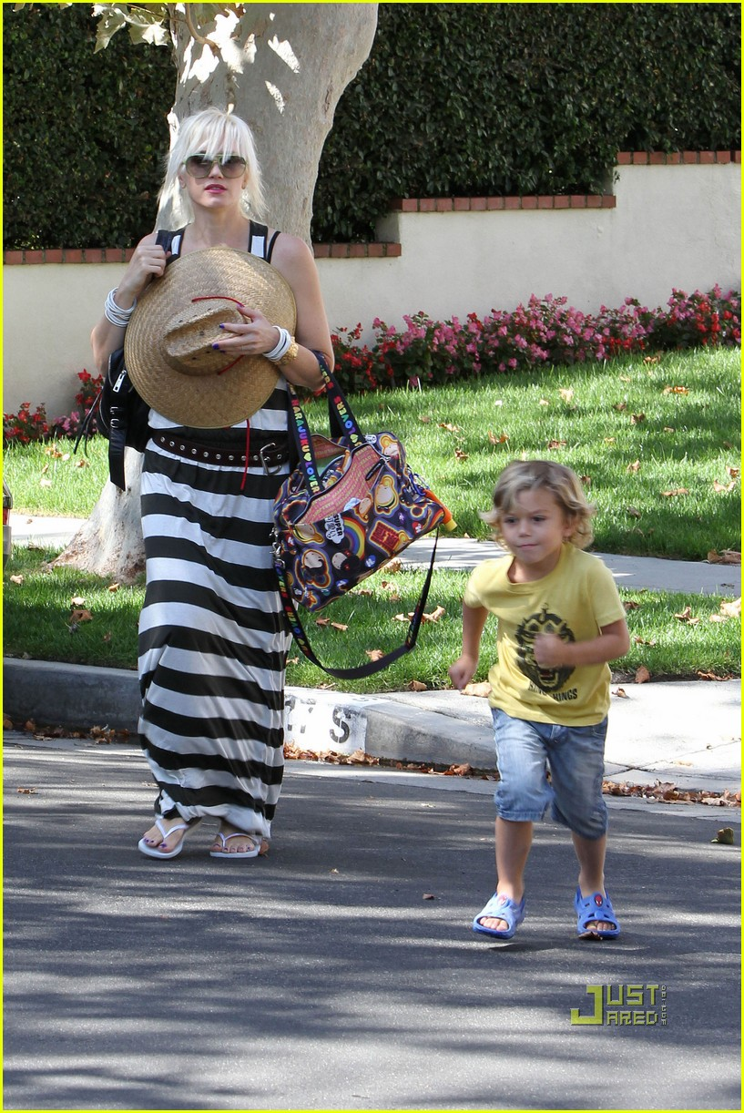 gwen stefani kingston zuma grandmas house 052475425