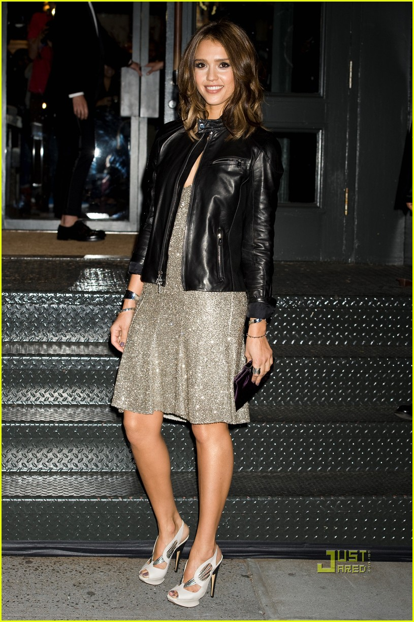 jessica alba fashions night out 06