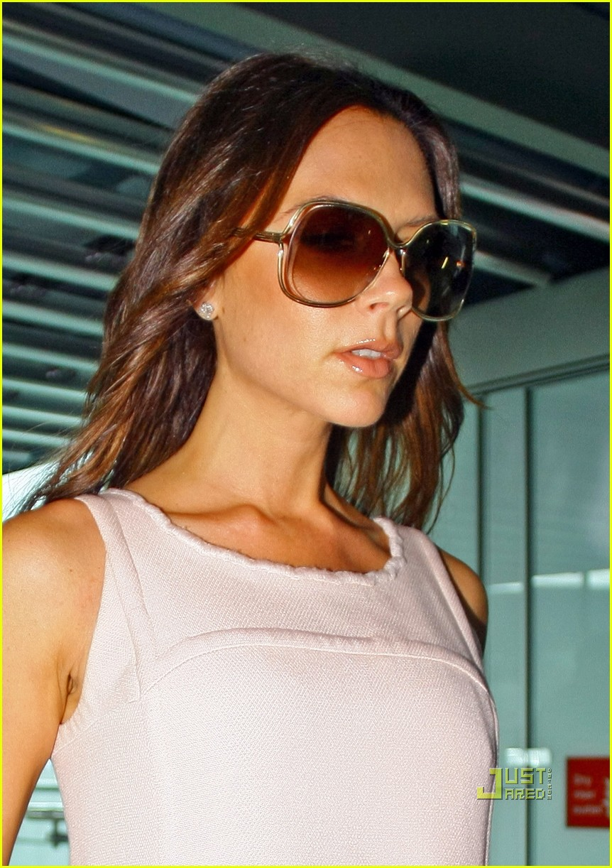 victoria beckham flight to ny pocket dress 03