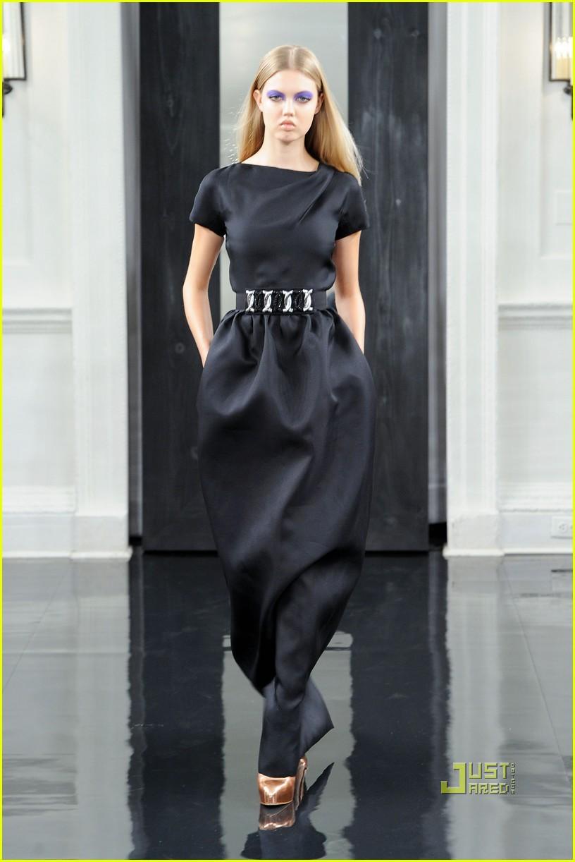 victoria beckham ny fashion week 09